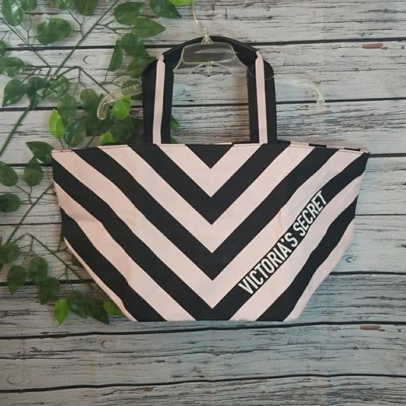 Victoria's Secret Handbags - NWOT Victoria Secret huge tote travel bag large